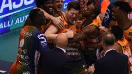 Basket, Final Eight: Sassari che rimonta su Venezia! Brindisi vince in volata su Avellino