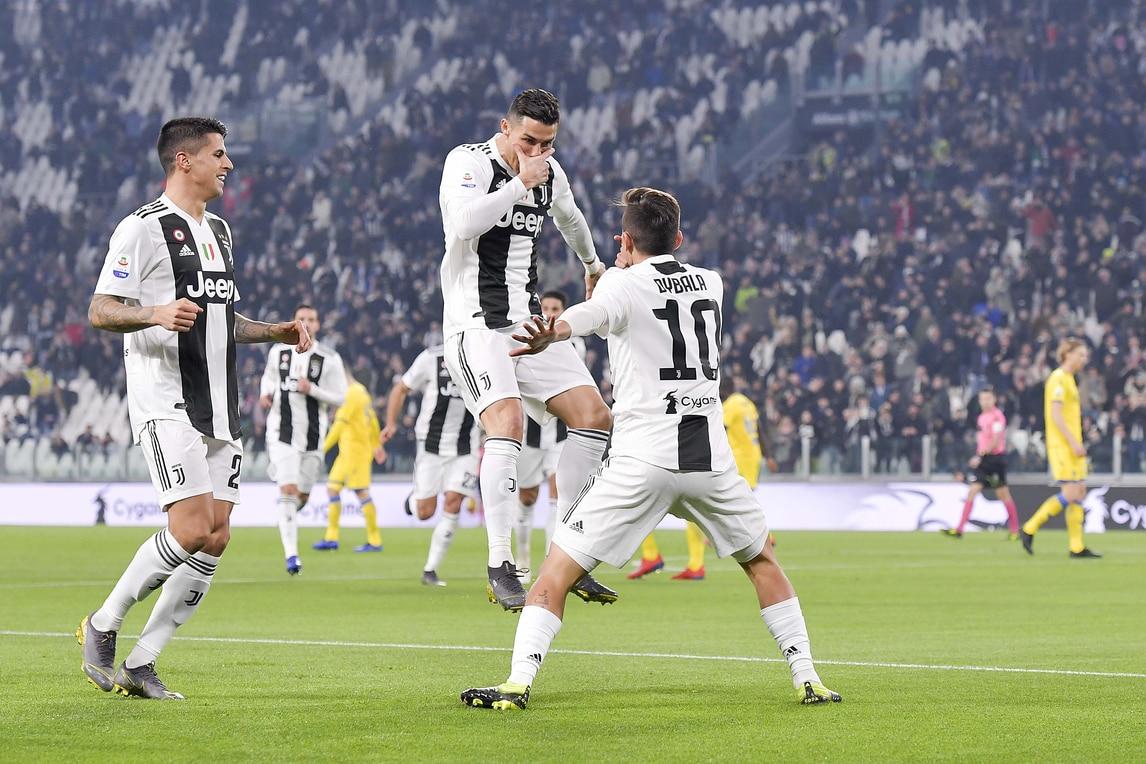 Juve-Frosinone: Dybala esulta alla Ronaldo, Bonucci con la dedica ai figli