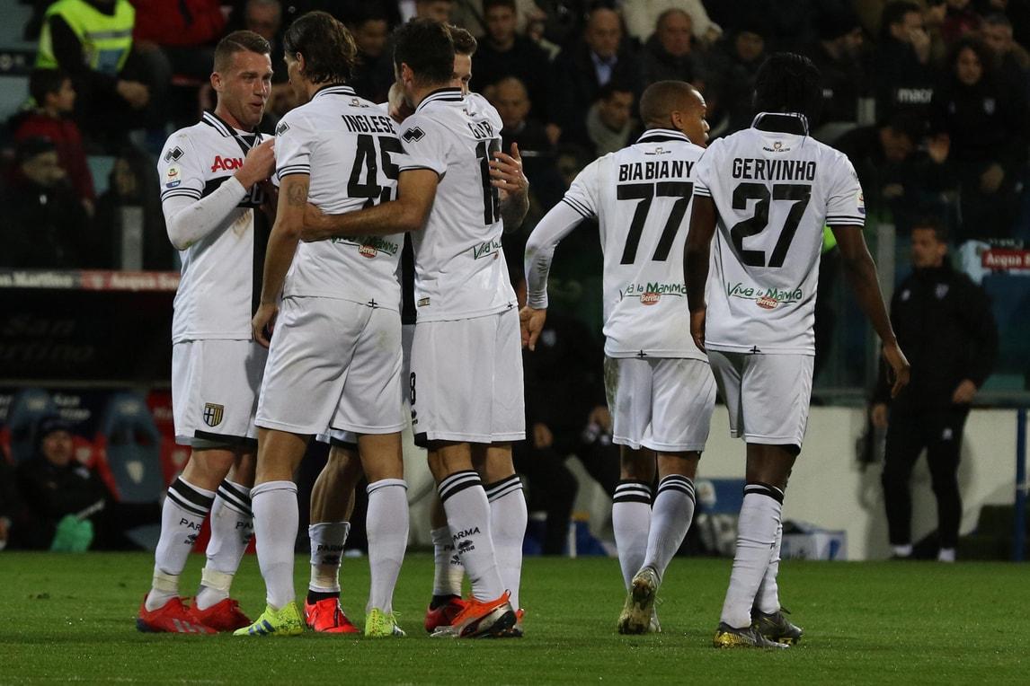 Serie A, Cagliari-Parma 2-1: Pavoletti fa volare i rossoblù