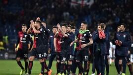 Serie A, Cagliari-Parma 2-1: Pavoletti da impazzire