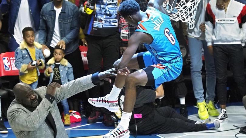 NBA, Diallo vince la gara delle schiacciate. Harris batte Curry in quella da tre punti