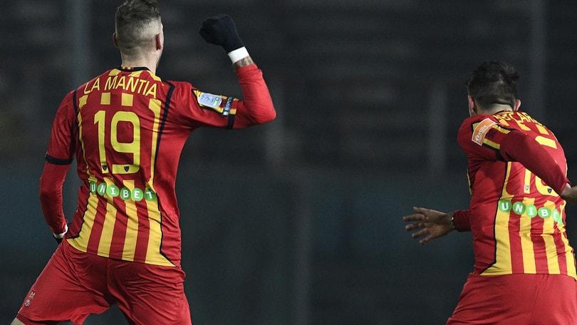 Serie B, Lecce, che rimonta sul Livorno! Il Cosenza batte la Cremonese