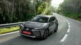 Lexus UX: la prima prova del SUV ibrido