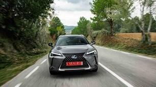 Lexus UX: foto del SUV compatto