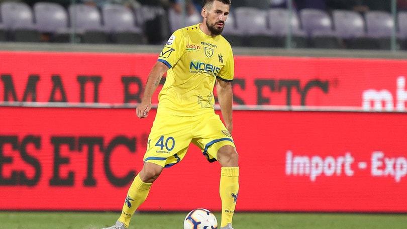 Spal, ufficiale l'arrivo di Tomovic dal Chievo. Vaisanen firma per i gialloblù