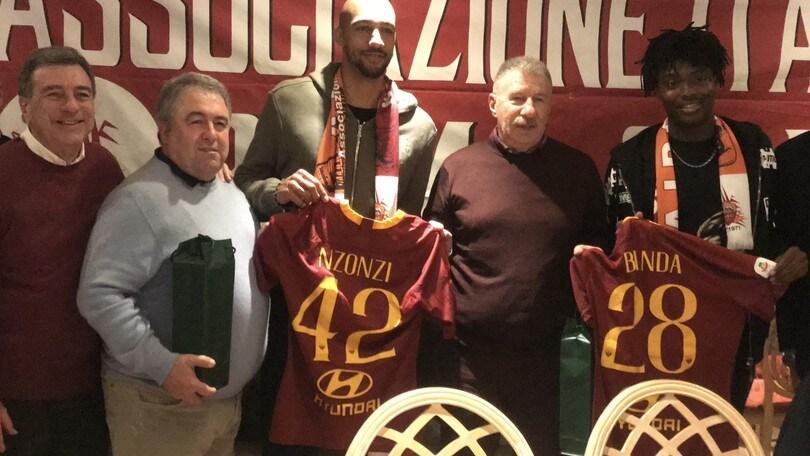 La Roma a cena con i tifosi: Massara, Nzonzi e Bianda al conviviale dell'AIRC