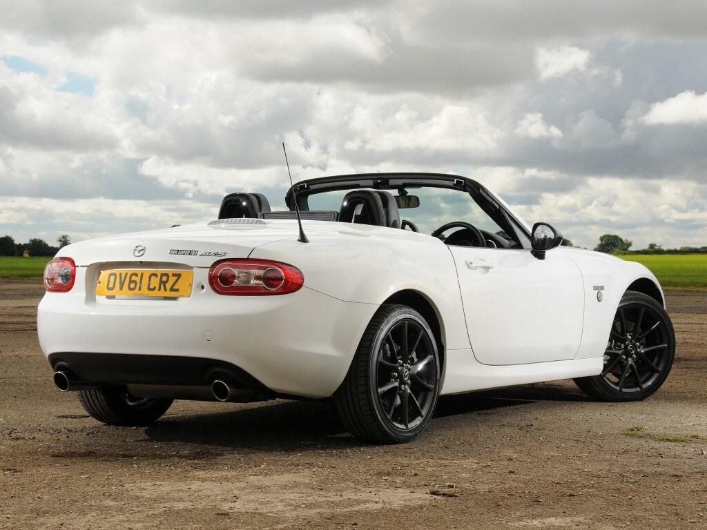 Mazda MX-5: il Roadster più venduto al mondo compie 30 anni