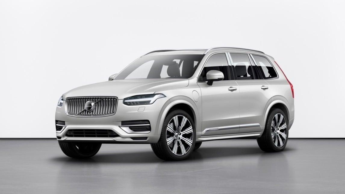 Volvo aggiorna il SUV di segmento superiore, introduce una batteria più grande sul T8 Twin Engine e lancia il mild-hybrid in abbinamento al diesel 2 litri. Mild-Hybrid che diverrà anche benzina B5 e B6