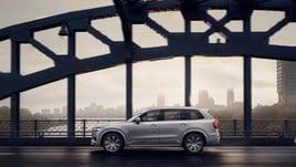 Volvo XC90: il restyling è ibrido