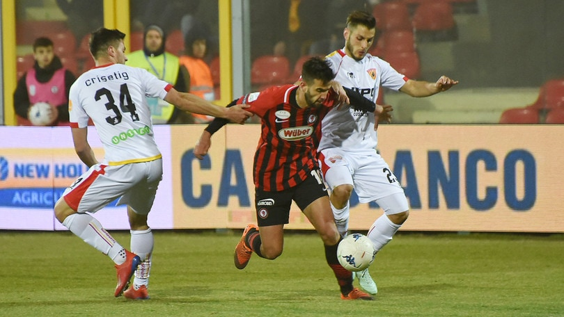 Serie B, Foggia-Benevento 1-1: Kragl risponde a Coda