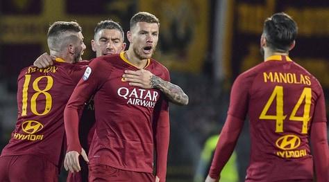 Frosinone-Roma 2-3, Dzeko trascina i giallorossi con una doppietta: Milan a meno 1