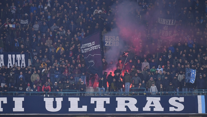 Napoli, caccia al biglietto per la Juventus: tornano i tifosi al San Paolo