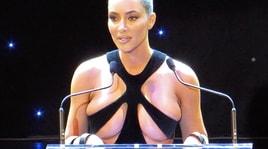 La solita Kim Kardashian: guardate come si è presentata a Londra!