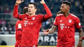 Bundesliga: manita Bayern Monaco, aggancio al Borussia Dortmund