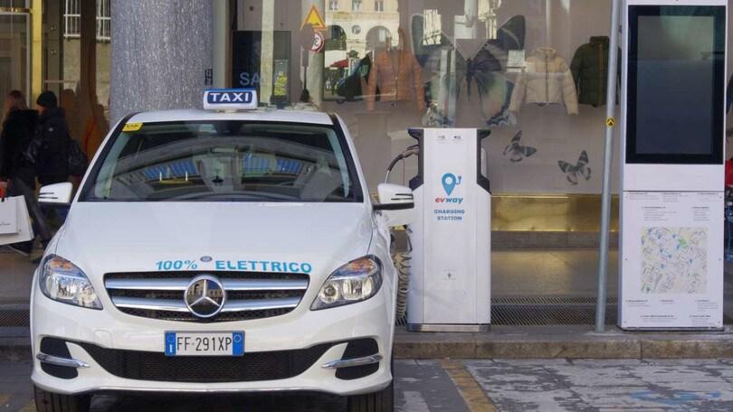 Evway regala ai taxi elettrici di Torino un anno di carica