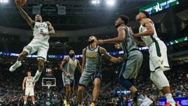 NBA: OKC corsara a Portland all'overtime, Milwaukee travolge Indiana