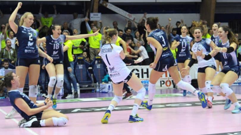 Volley: A1 Femminile, colpaccio Chieri, battuta Novara