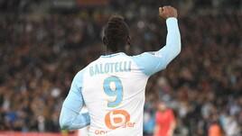 Ligue 1: il Lille vince in 9, spettacolo a Montpellier. Balotelli lancia il Marsiglia
