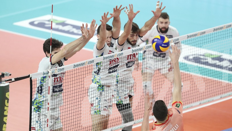 Volley: Superlega, Trento vince e resta seconda, Latina fa suo il derby con Sora