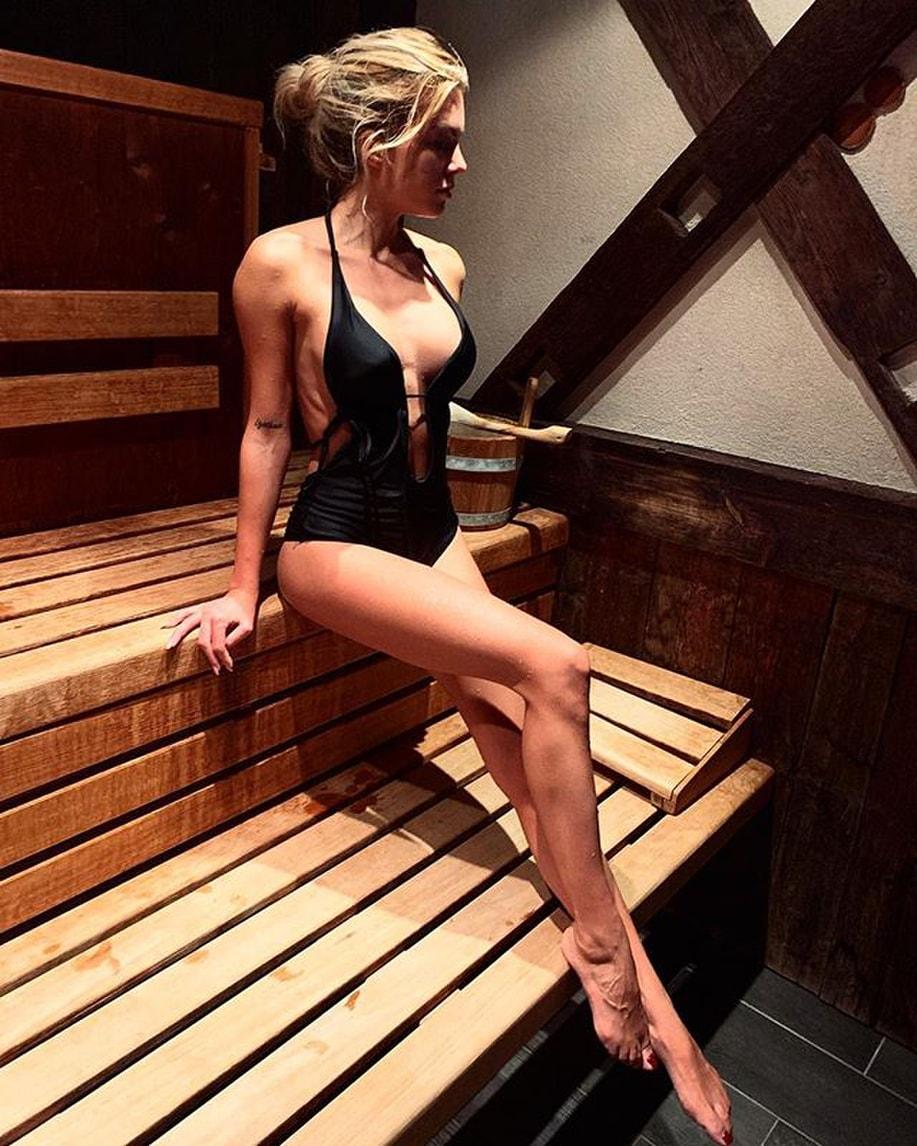 Ludovica Pagani e le foto sexy: Vinicius Junior apprezza e commenta