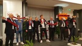 Zaniolo e Coric cantano l'inno della Roma
