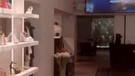 Chiude il negozio delle compagne di Messi e Suarez