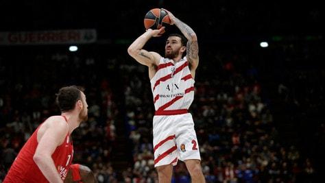 Eurolega: James show, l'Olimpia Milano travolge l'Olympiacos