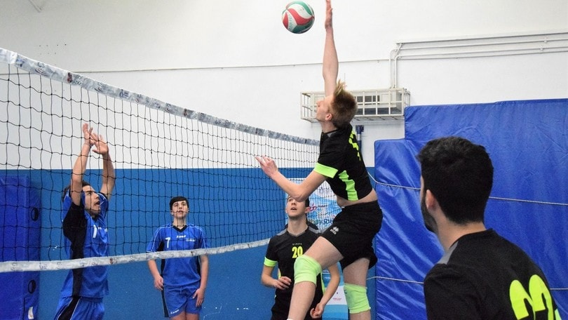 Volley: Volley Scuola, il Labriola vince il derby del mare