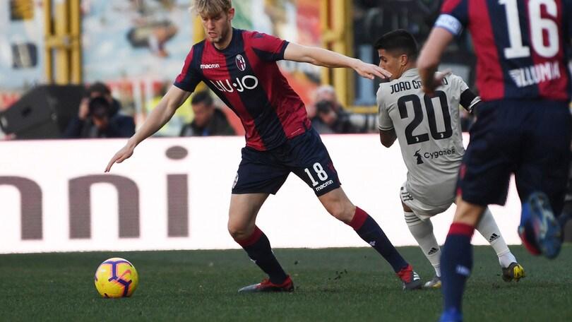 Serie A Bologna, si ferma Helander: distorsione alla caviglia sinistra