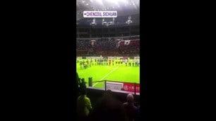 Totti in Cina: striscione dei fan e gol su rigore
