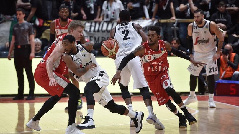 Basket Serie A, la Virtus Bologna domina Pesaro: 78-70