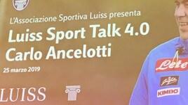 Napoli, ovazione per Ancelotti alla Luiss