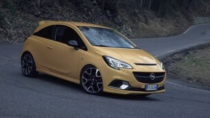 Opel Corsa GSi in Val Seriana FOTO