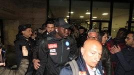 L'arrivo del Napoli a Roma: ovazione dei tifosi