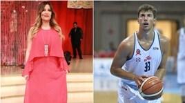 Insulti social alla Lucarelli: la Dinamo Cagliari mette fuori squadra Rovatti