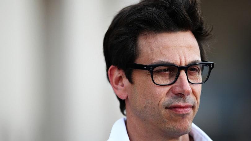 Formula 1: la Ferrari tradisce un meraviglioso Leclerc. In Bahrain vince Hamilton