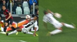 Alex Sandro tocca con il braccio in area: rigore negato al Milan