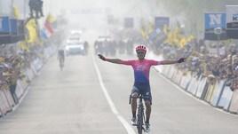 Ciclismo: Bettiol fa la storia, suo il Giro delle Fiandre. Vince anche la Bastianelli