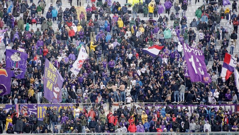 Fiorentina, contro il Bologna spalti vuoti per metà gara