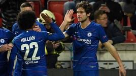 Europa League: Marcos Alonso lancia il Chelsea, poker Benfica