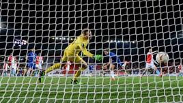 Europa League: Marcos Alonso regala il sorriso a Sarri