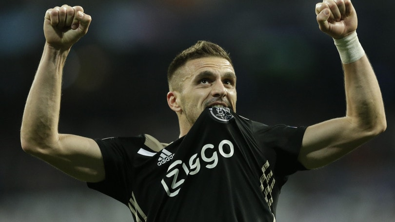 Ajax, solita goleada: niente turnover prima della Juve