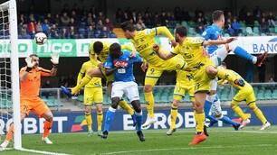 Napoli, Koulibaly e Milik stendono il Chievo