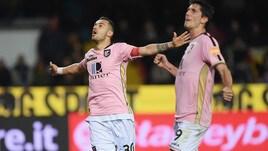 Serie B, Nestorovski e Puscas lanciano il Palermo nella sfida più attesa: 2-1 corsaro a Benevento