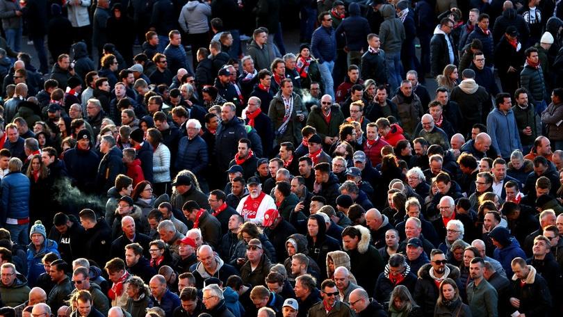 Torino, espulsi 54 tifosi dell'Ajax. Salvini: «Niente partita per loro»
