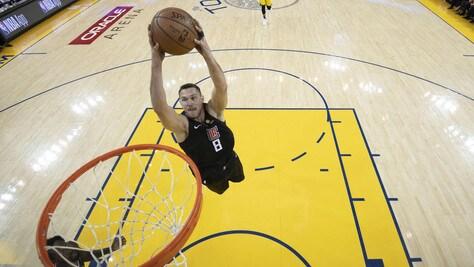 NBA playoff, Gallinari e i Clippers volano: Warriors ko. Sorride Phila