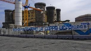 Napoli, striscione dei tifosi: «Pretendiamo la Coppa Uefa»