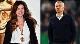 Alba Parietti:«Flirt con Mourinho? Magari, io sono disponibile...»