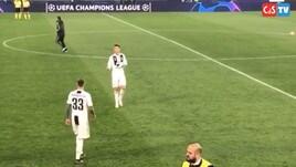 Juventus, il gesto di Ronaldo al termine della sfida contro l'Ajax spopola sui social