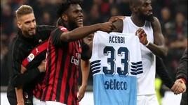 Il Milan patteggia la multa per il gesto su Acerbi